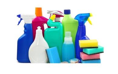 La OCU advierte sobre los peligros de algunos productos de limpieza de uso doméstico