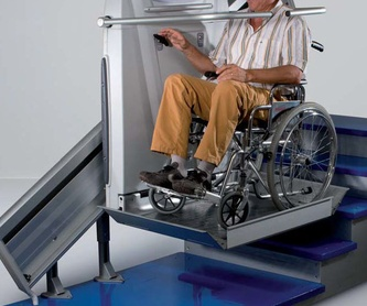 Plataforma salvaescaleras inclinada: Aparatos movilidad de Movilidad System