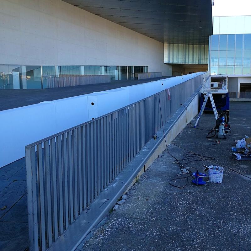 Reparación de barandilla de acero inoxidable en Palacio de Congresos - Fibes.