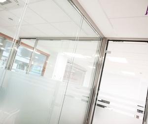 Especialistas en mamparas para oficina Madrid Centro