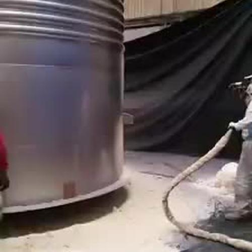 Calorifugado depósito con poliuretano