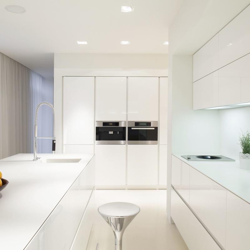 Cocinas brillo blanco + silestone