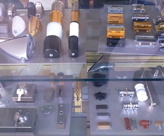 Herrajes para vidrios en general: Productos de Cristalería Olinda, S.L.