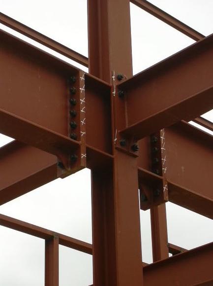 Uniones atornilladas y soldadas: Servicios y Proyectos de Estructures Metal.Liques Quintana, S. A. U