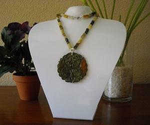 Jade con colgante de jade verde