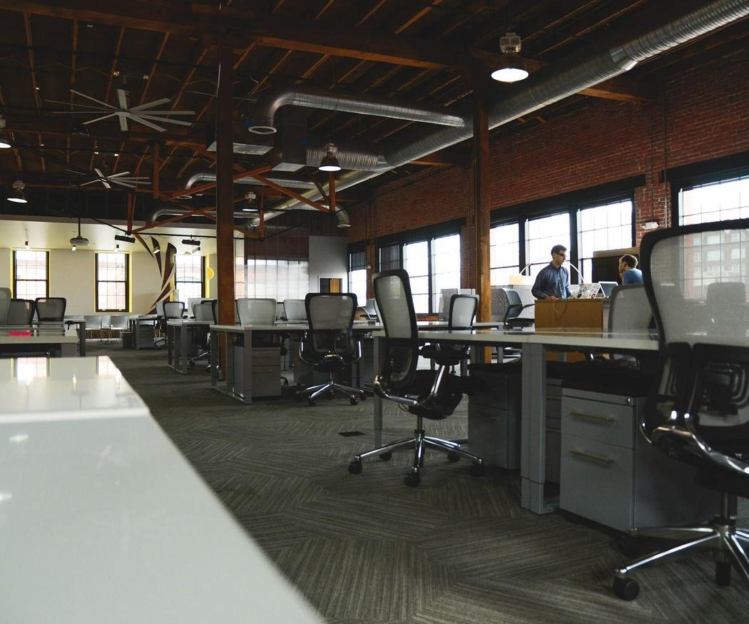 Características de una silla de oficina ergonómica