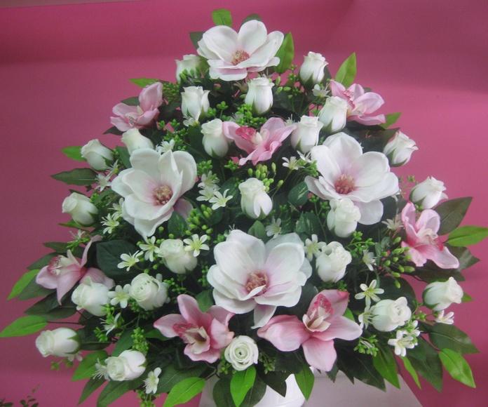 centro artificial de magnolias y rosas