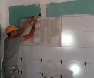 Alicatar una pared por Traymo construcciones y reformas