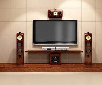 Correcciones acústicas: Servicios de Óscar Molowny Sonido Iluminación
