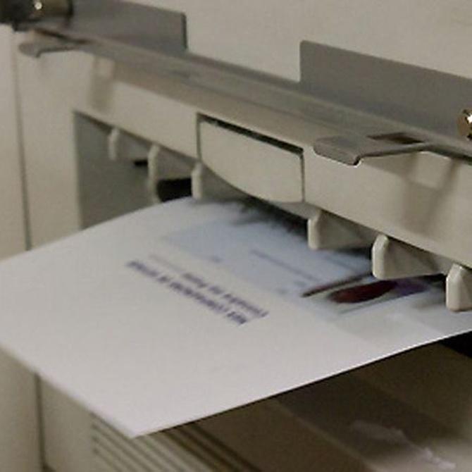 ¿Cómo solucionar los atascos de papel?