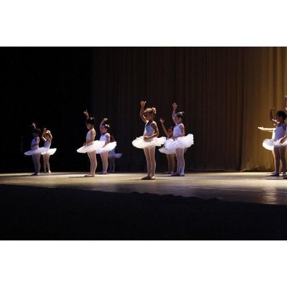 Clases de Ballet en Valencia: Clases y Campamentos de Dance Center Valencia