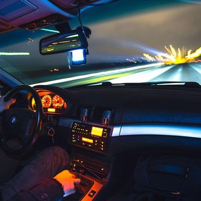 La importancia de prevenir los riesgos durante la conducción nocturna