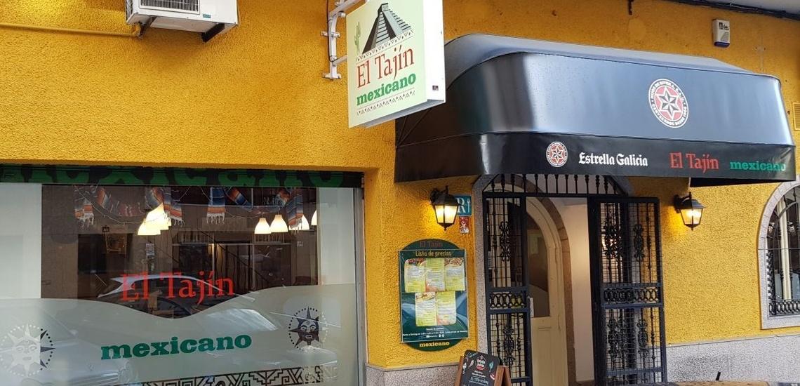 Cocina mexicana en Ourense con decoración típica de México