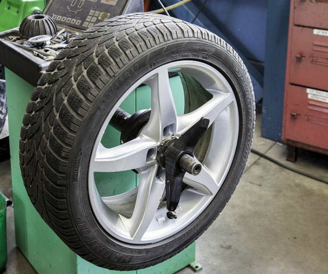 ¿Cuándo cambio los neumáticos del coche?