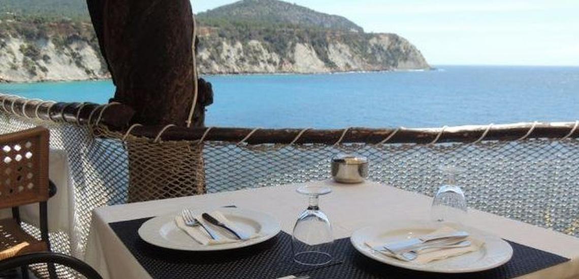 Restaurante de pescados y mariscos en Ibiza con productos de la mejor calidad