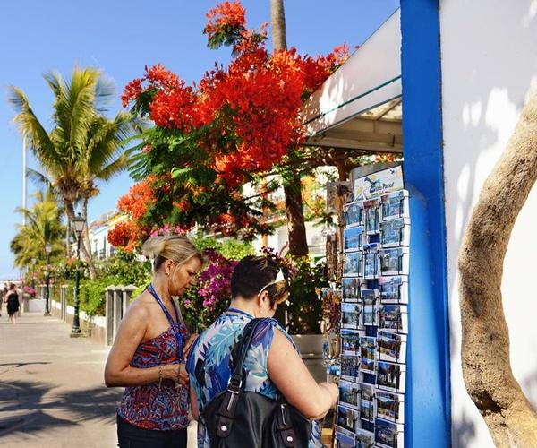 Empresa mayorista y distribuidora de productos souvenirs en Canarias