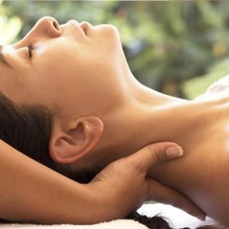 Masaje relajante: Nuestros servicios de Fonsu Rodríguez Peluquería y Centro de estética