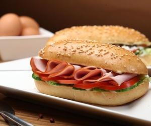 Todos los productos y servicios de Bar con amplia variedad de tapas y comida rápida: Tapería Royal