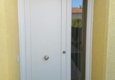 Puertas principales de PVC