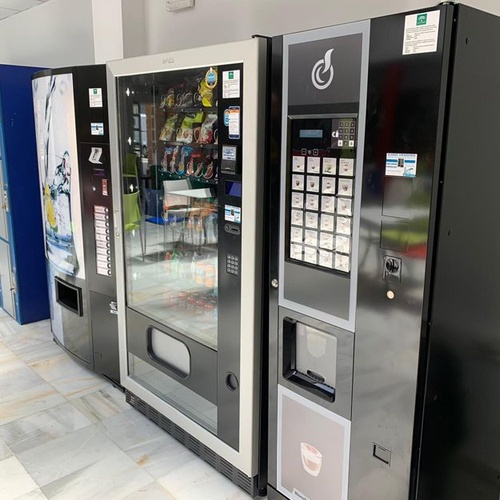 Máquinas vending de café, snack, refrescos y agua en Almería
