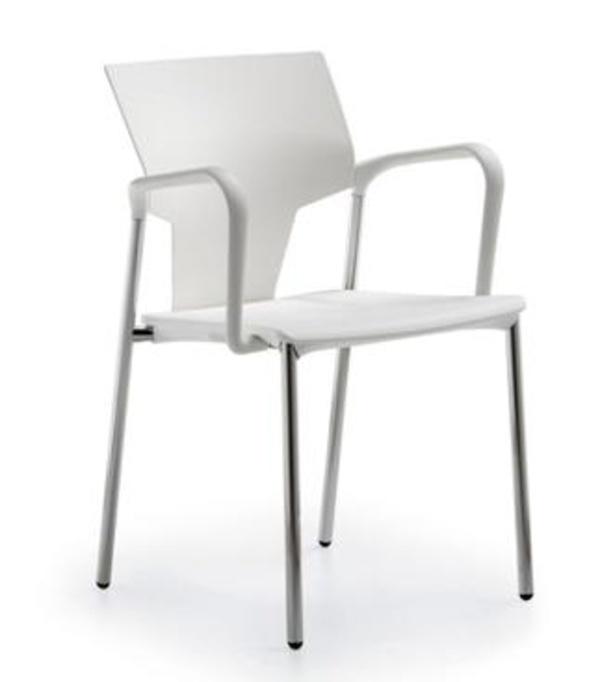 Silla evelin con brazos blanca y estructura cromada.Elegante