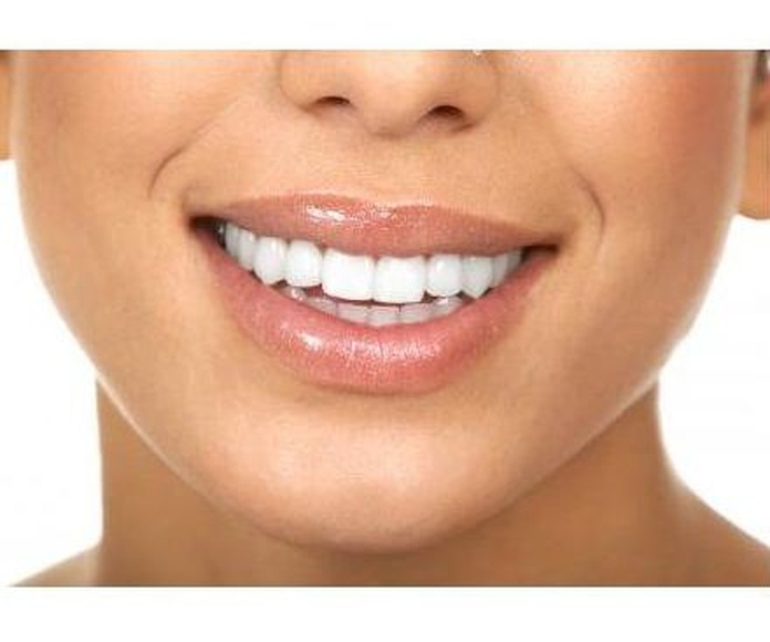 Periodoncia: Especialidades de Clínica Dental Jorge del Corral (cs4726)