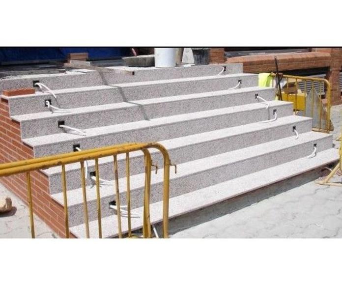 Escalera exterior: Nuestros trabajos de Cano, Granits i Marbres, S.C.C.L.