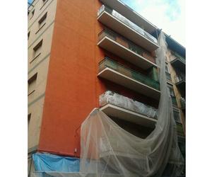 APG Façanes realiza pintura de fachadas en Mataró