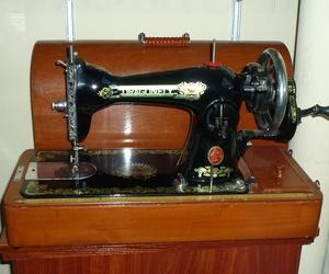 Venta máquina de coser antigua cabeza negra, Barcelona