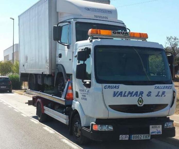 Asistencia en carretera 24 horas: Servicios  de Valmar & JF Asistencia y Talleres