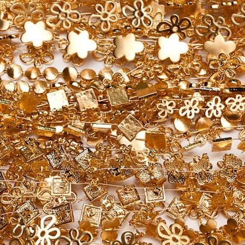 Baño de oro en Sant Martí, Barcelona | Acabados Ortiz