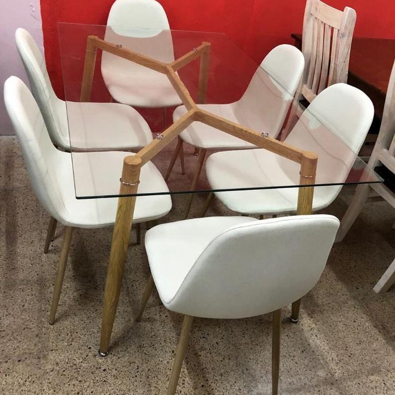 Mesa cristal y 6 sillas beige: Productos de Remar Castellón