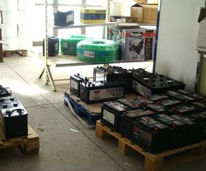 Distribuidor de baterías Yuasa de automoción, vehículos industriales y motocicletas