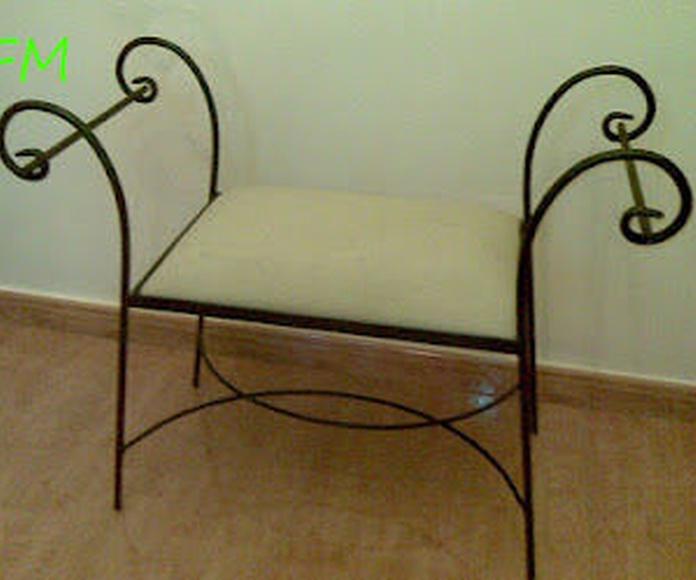 Banqueta Melilla: Catálogo de muebles de forja de Forja Manuel Jiménez