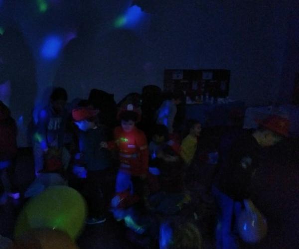 Discoteca - Karaoke (No disponible en todas las localizaciones)
