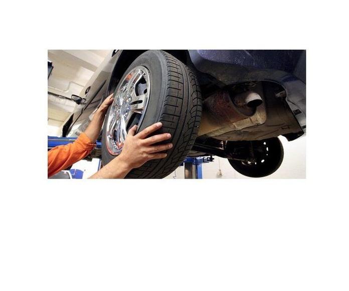 Cambio de neumáticos: Servicios  de Parres Automoción