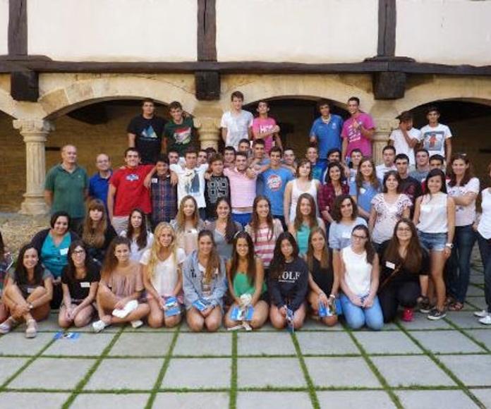 CONVIVENCIA DE NUEVOS COLEGIALES - IKASLE BERRIEN TOPAKETA: Alojamiento Universitario de Colegio Mayor Deusto
