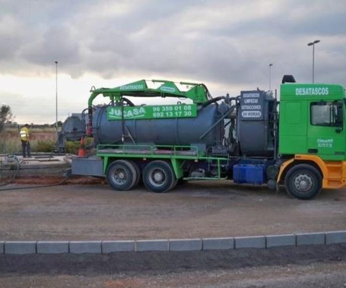 Camiones cuba: Trabajos realizados  de Levante Instalaciones Fontanería y Gas