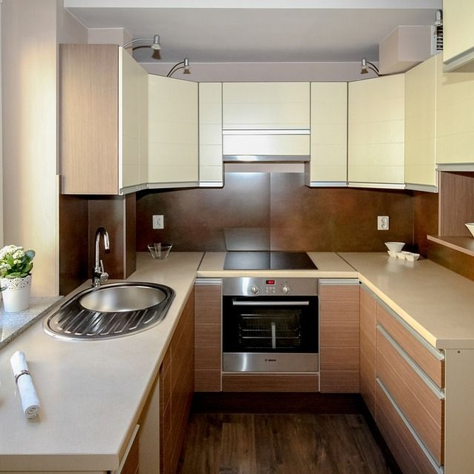 ¿Cómo amueblar y decorar una cocina pequeña?