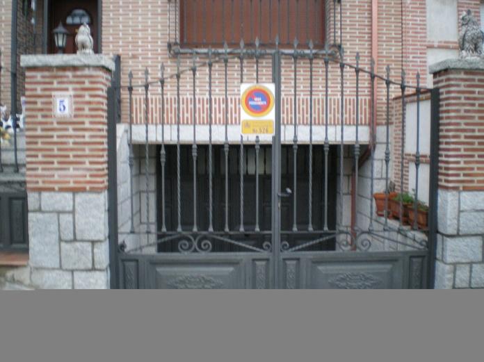 Puerta de forja: Trabajos de Cerrajería Alberto Bautista.