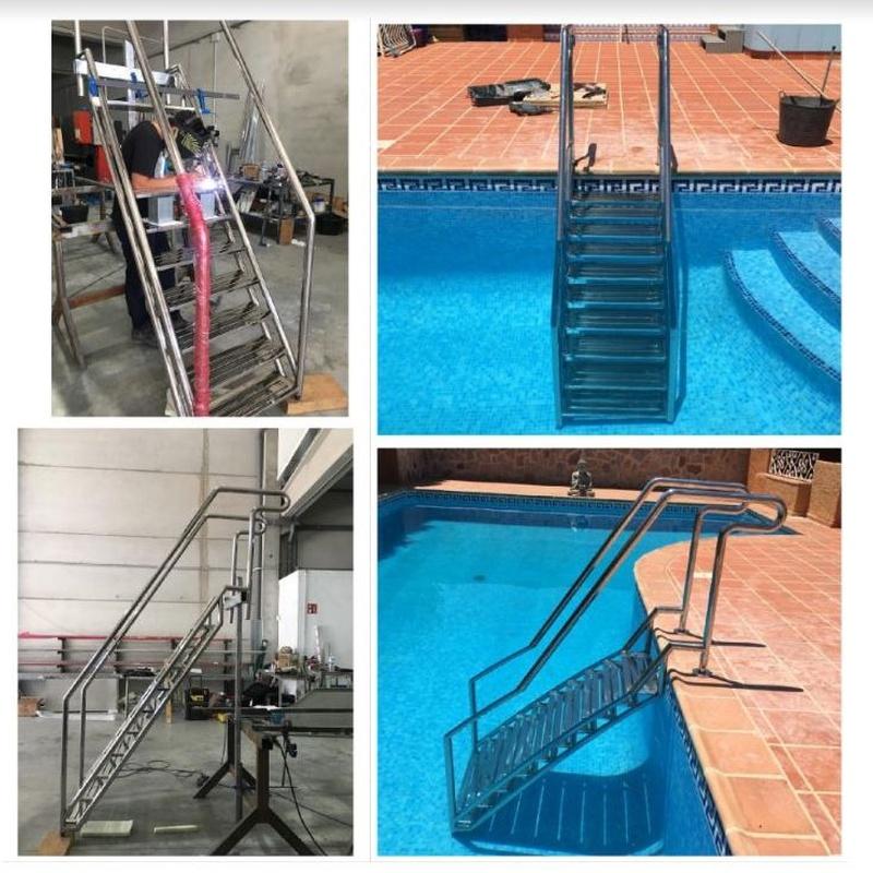 Escaleras de piscina: Productos de INOX MUEBLE 2019, S.L.U.