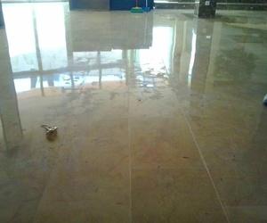 Abrillantado de suelo de oficinas en Alcudia, Palma de Mallorca