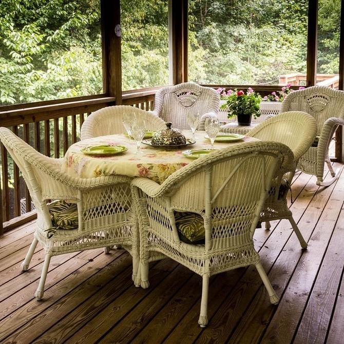 Muebles de mimbre para tu terraza: estilo y versatilidad