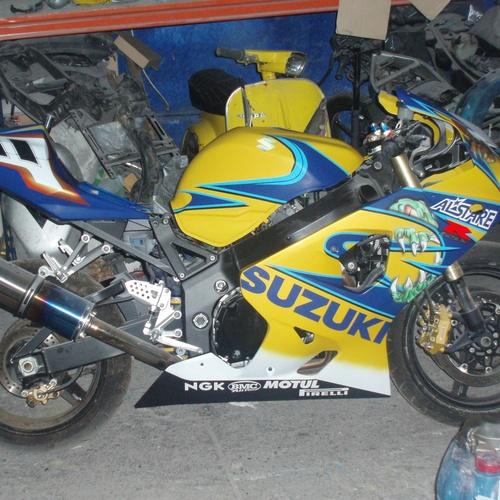 Pintar moto en Ourense