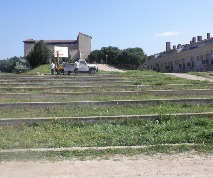 """Asistencia técnica a la redacción del estudio geotécnico para el """"Proyecto de remodelación del antiguo anfiteatro de Rubí. Calle Castell s/n"""". TM Rubí (Barcelona). Ref. EG315-2010."""