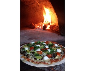 Pizzas artesanas en horno de leña en Zahara