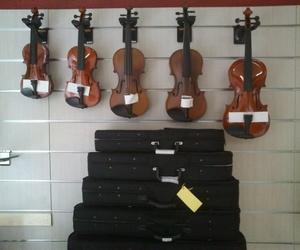 Violines de estudio de todos los tamaños para un comienzo a medida.