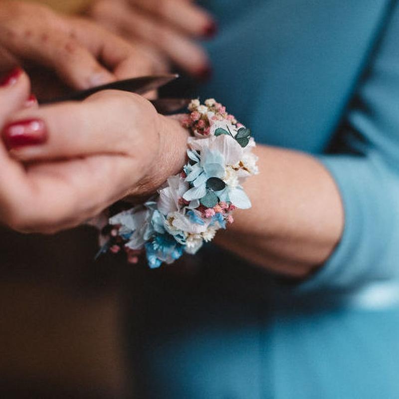Brazaletes, pulseras flor preservada: Servicios de C. López