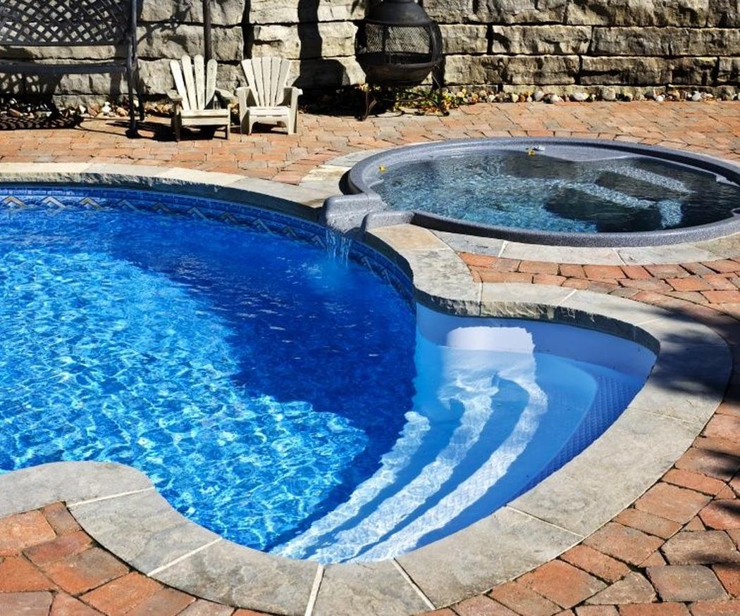 Te explicamos las diferencias entre una piscina y un spa