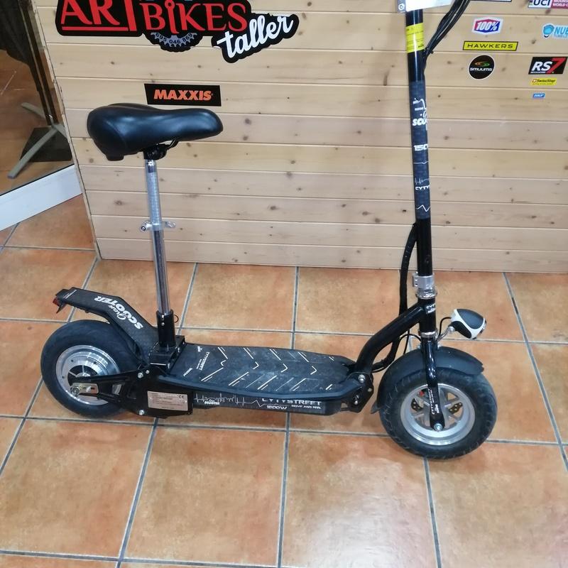 Venta y reparación de patinetes mecánicos y eléctricos: Servicios de Artbikes